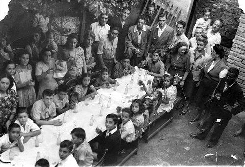 Festa-de-Noantri-tavolata-a-trastevere1.jpg